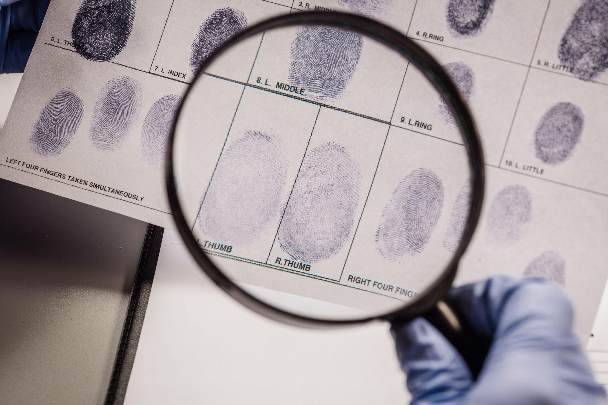 החשד השני - טביעת אצבע של פייסבוק
